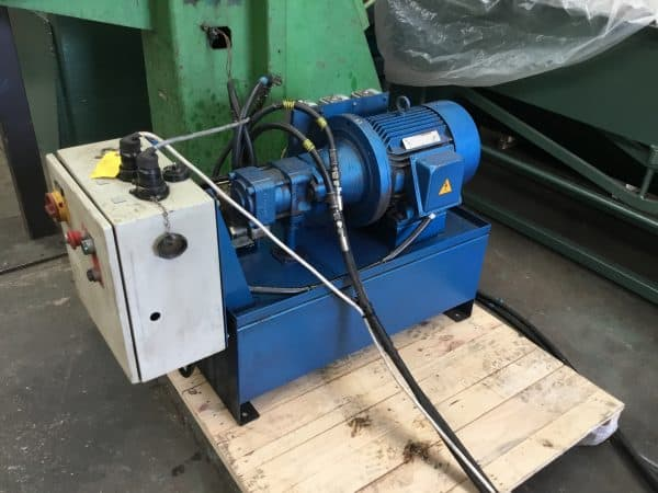 HENROB Double Self Pierce Riveting Machine (DH01)