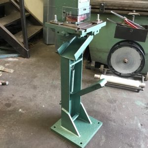 SOLD – EDWARDS Foot/Treadle Corner Notcher (EFN02)